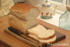 sliced-loaf_web.freefoto.com.jpg